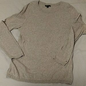 Tommy Hilfiger gray long sleeve sweater L